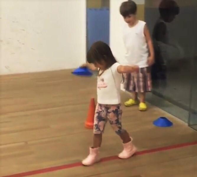 Desenvolvendo habilidades de equilibrar e lançar 2