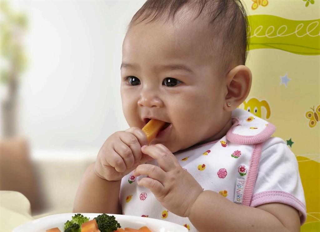 alimentação de bebê