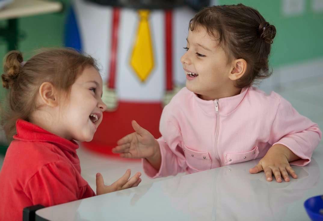 meninas-conversando