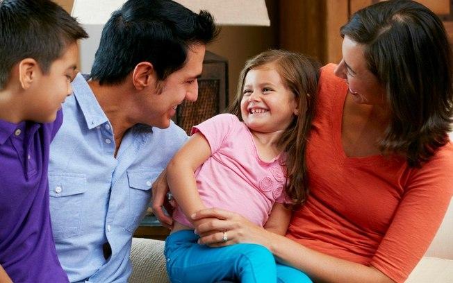 criancas-conversando-pais